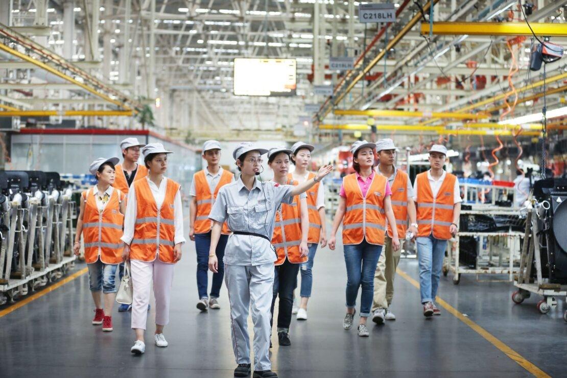 на заводе Dongfeng Truks